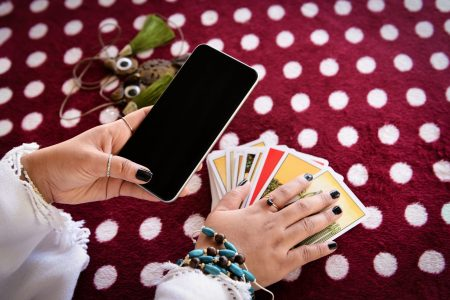 Tarot Apps for iPhone and Android